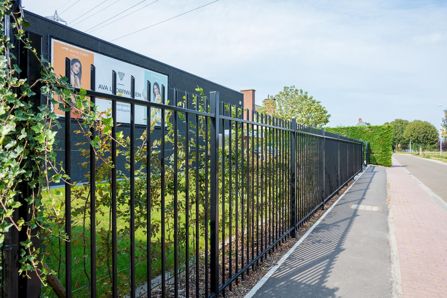 Traversa fences