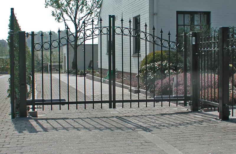 Baron swing gate - Kopal